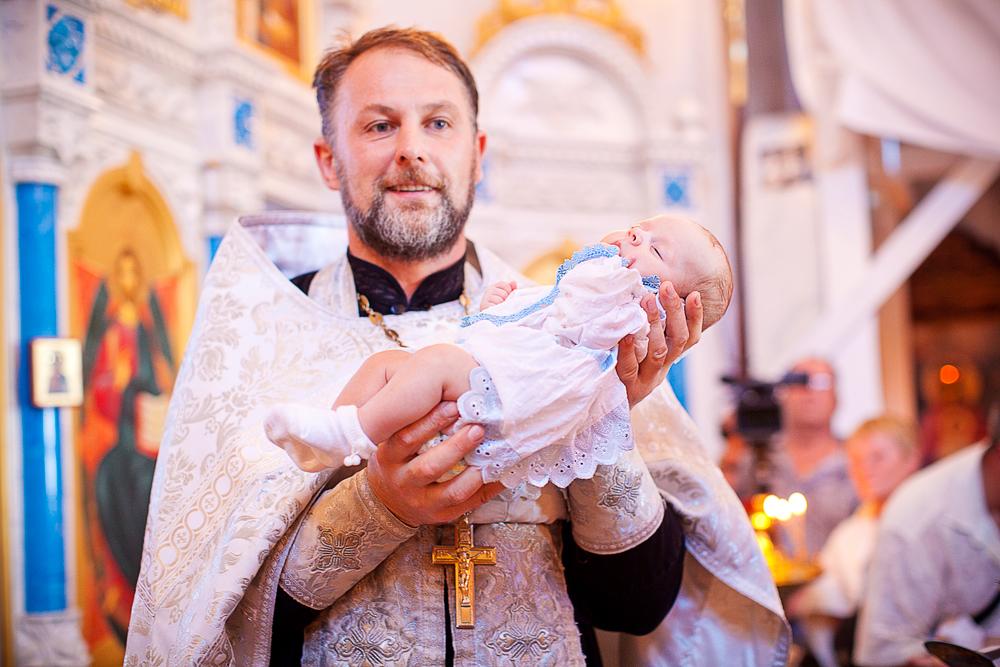 Что одевают мальчикам при крещении